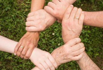 Forbundet hænder