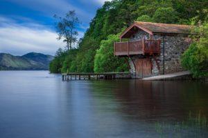 hus ved vandet